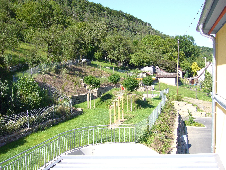 Evangelischer kindergarten crispenhofen wei bach for Evangelischer kindergarten